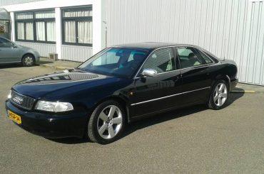 Zwarte Audi